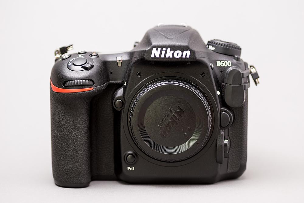 Nikon D500 aufgenommen mit einem YN360